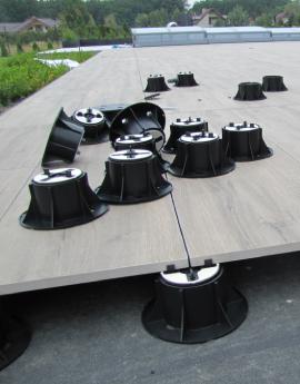 Wsporniki regulowane do tarasów wentylowanych z płytek gresowych 2 lub 3 cm